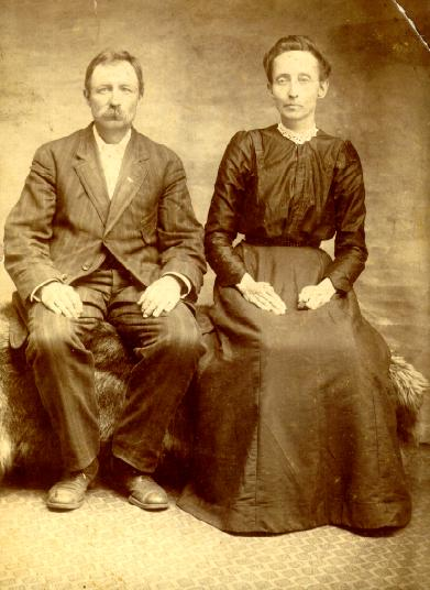 Picture of Wiljam Hardman Jefferson Hix and wife Sarah Etta Black - read info directly following picture